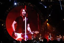Keith-Urban-on-a-jumbo-screen