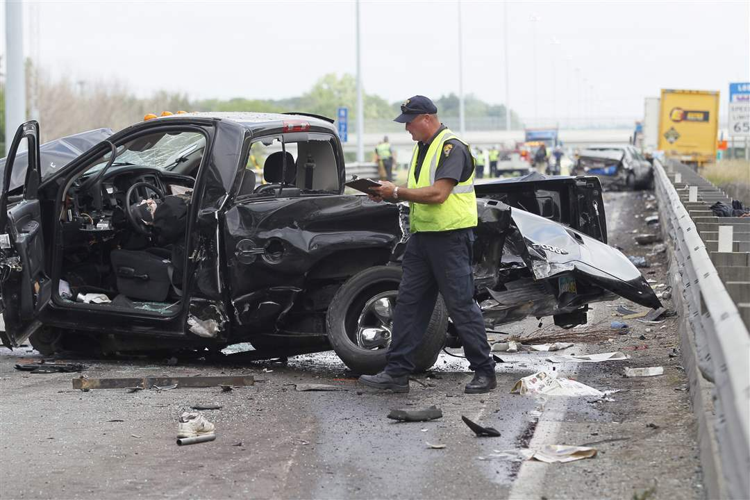 Gallery-Fatal-I-475-Crash-2