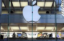 Apple-briefly-ousts-Exxon-in-stock-market-value