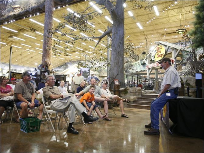 100,000 expected at Fall Hunting Classic  Pro Hunting team member Bob Foulkrod speaks during Bass Pro Shops Outdoor World. The event offers opportunities to learn tips and techniques for a more successful day in the field.