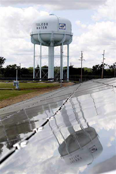 Solar-energy-field-to-power-city-s-water-treatment-plant-2