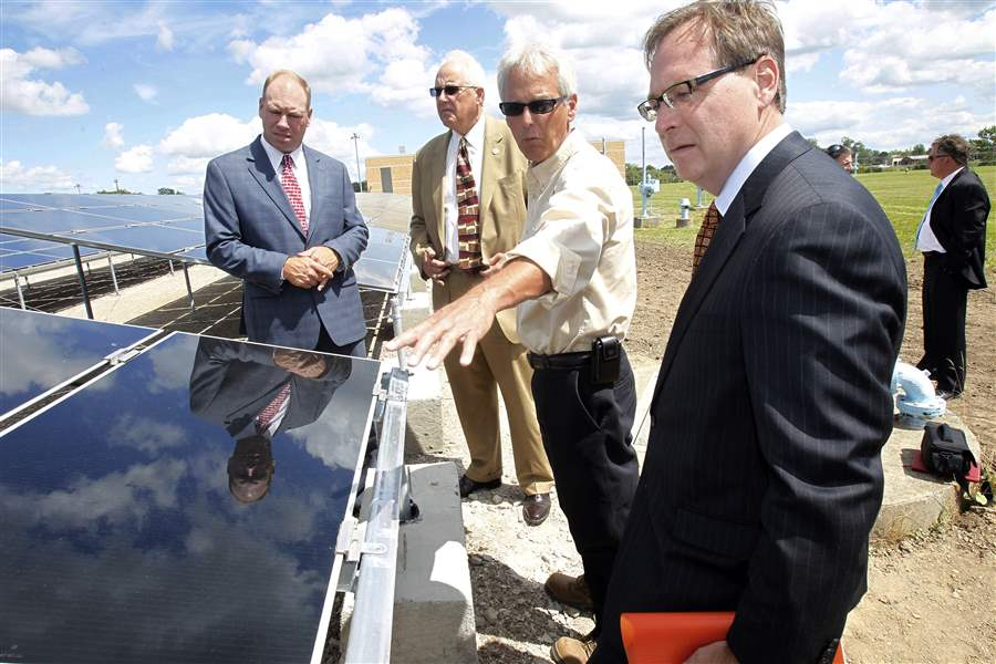 Solar-energy-field-to-power-city-s-water-treatment-plant
