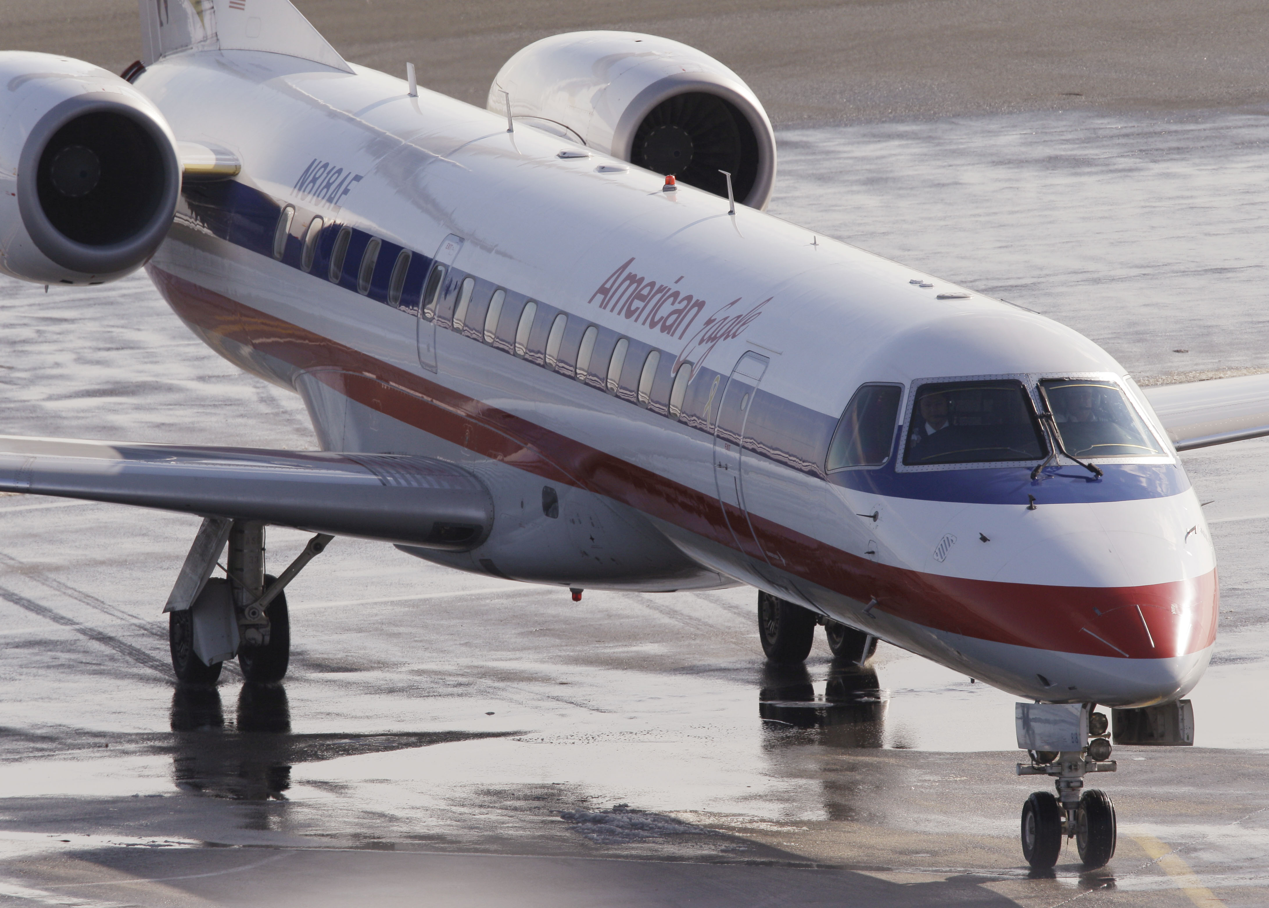 American Eagle Airline Could Be Spun Off The Blade