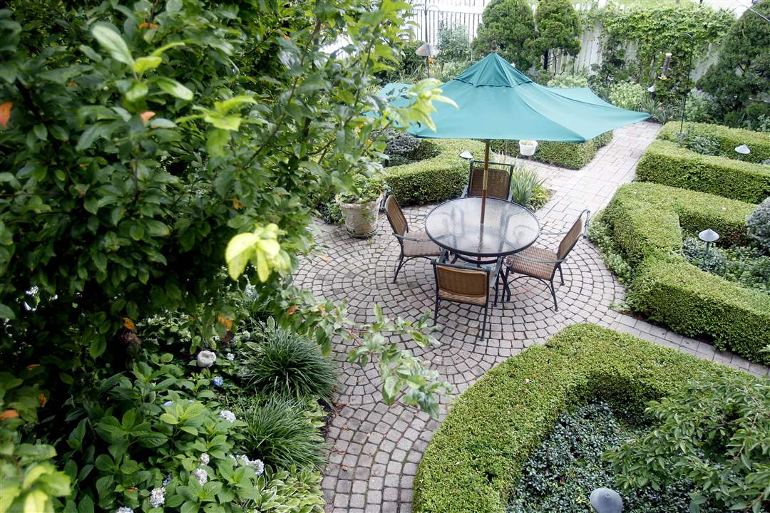 williamsburg-garden-my-space