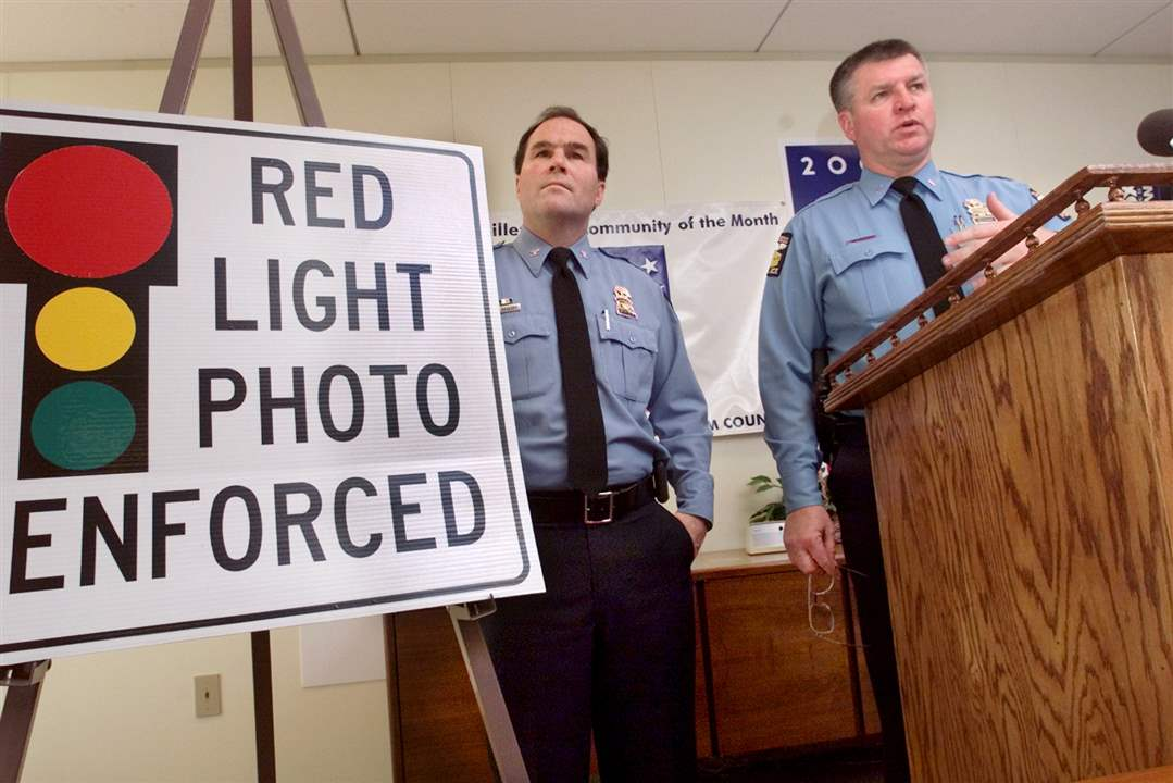 Chief-Navarre-Lou-Borucki-red-light-photo-enforcement