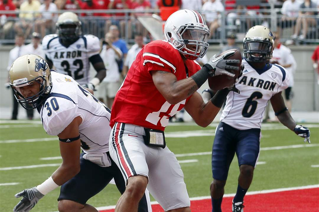 Ohio-State-Devin-Smith-catches-touchdown-Akron-LT-Smith-Manley-Waller