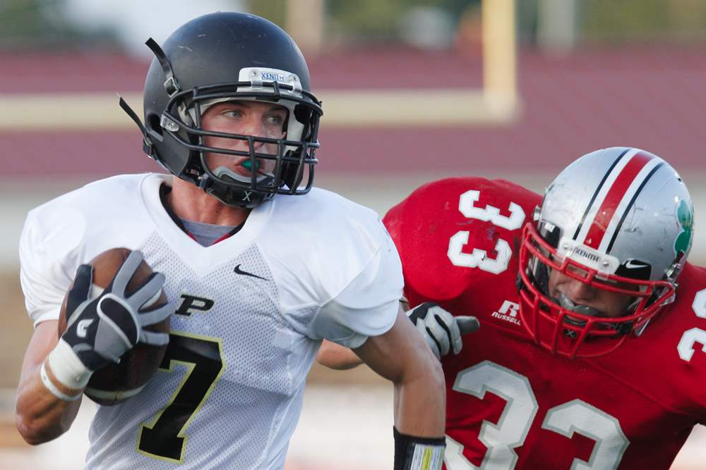 Perrysburg-Austin-McKinley-runs-against-Central-Jimmy-Johnston