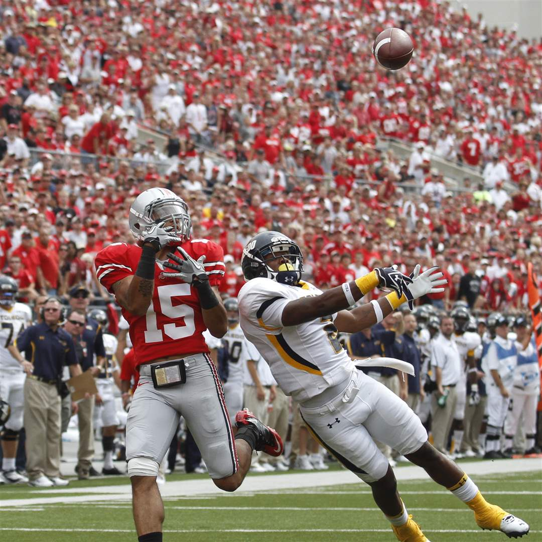 Toledo-Taikwon-Paige-defends-pass-to-Ohio-State-Devin-Smith