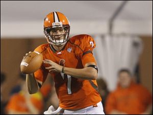 Bowling Green quarterback Matt Schilz looks for a receiver during the Falcons' game against Morgan State at Doyt Perry Stadium.