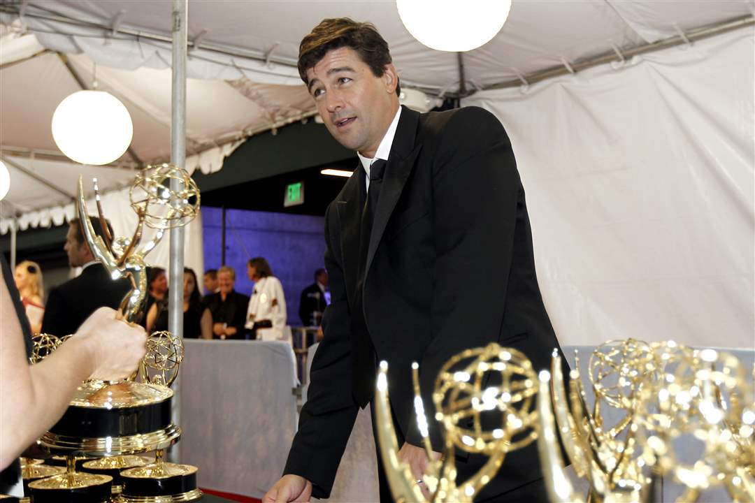 Kyle-Chandler-wins-Emmy-for-Friday-Night-Lights