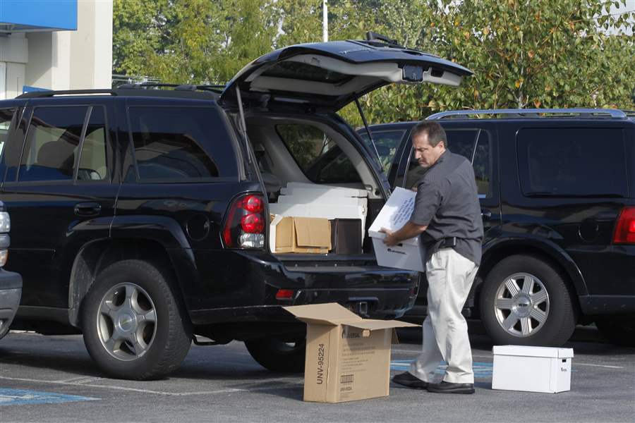 IHOP-Talmadge-boxes-SUV-trunk
