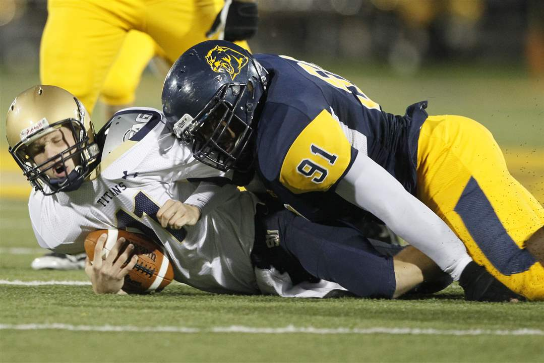 whitmer-tackle-sjj