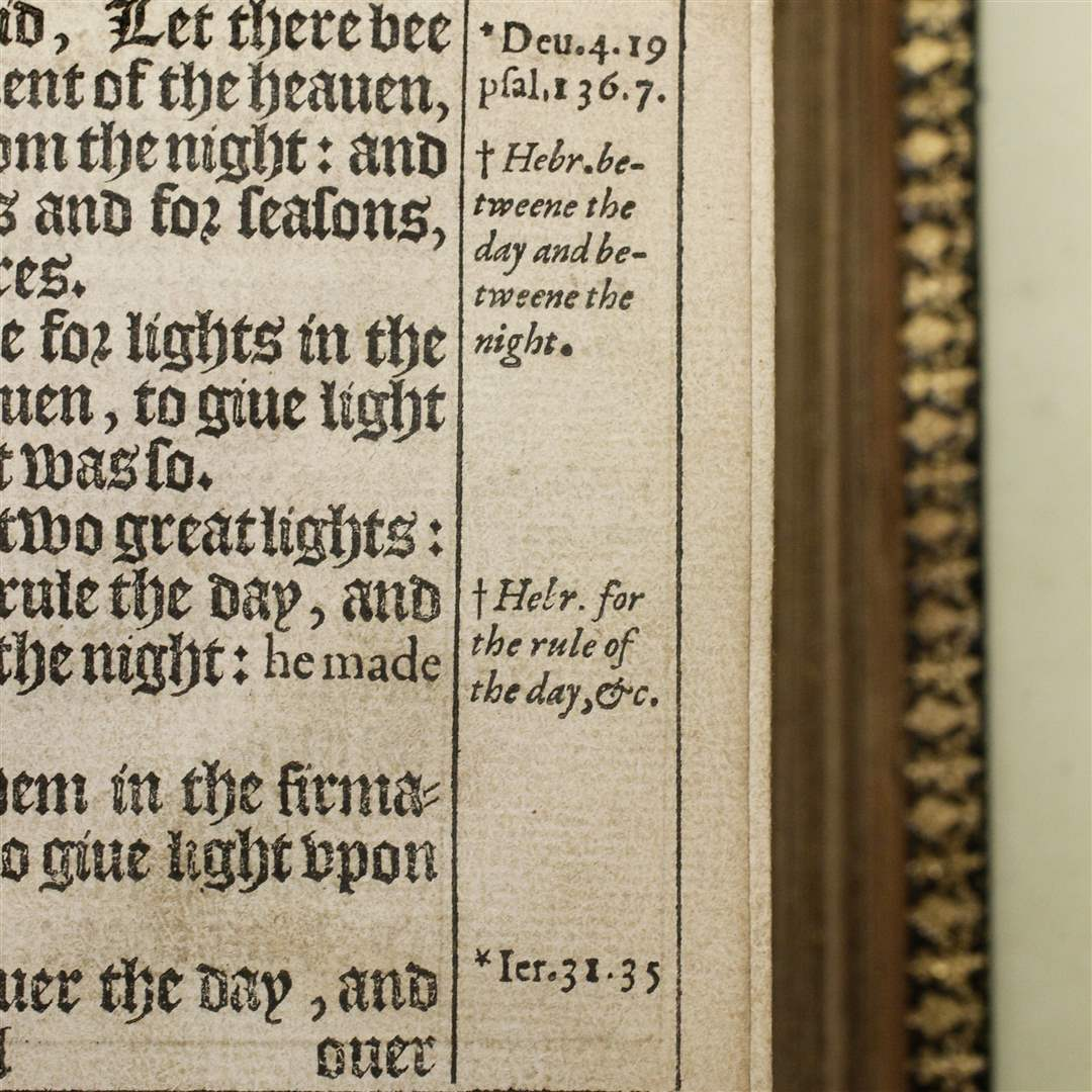 Notes-in-the-margin-of-a-rare-King-James-Bible