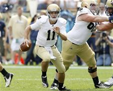 Tommy-Rees-will-remain-Notre-Dame-quarterback