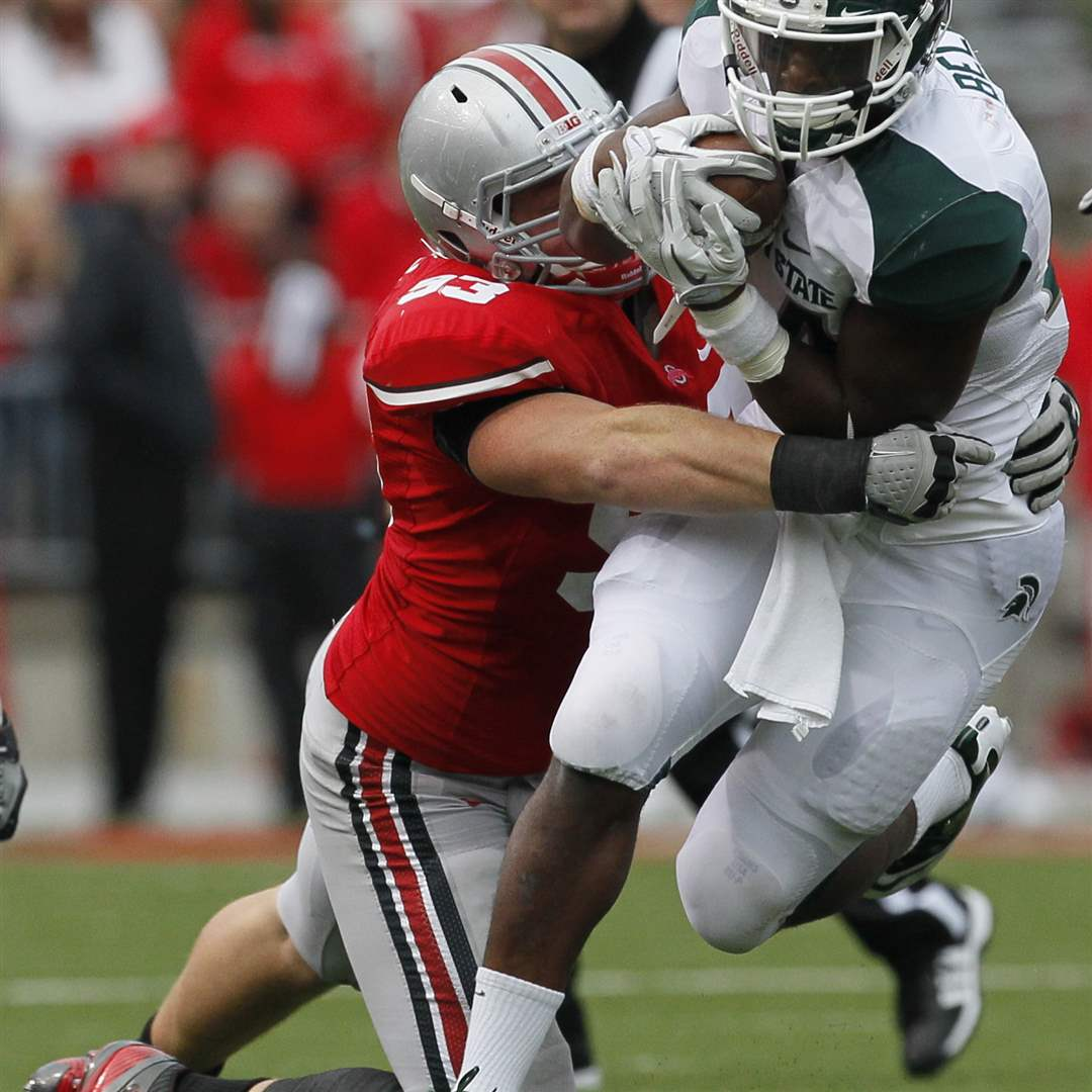 MSU-RB-Le-Veon-Bell-runs-against-OSU
