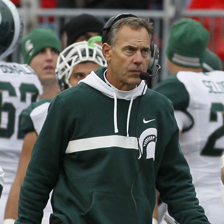 Michigan-State-head-coach-Mark-Dantonio-paces-the-sideline