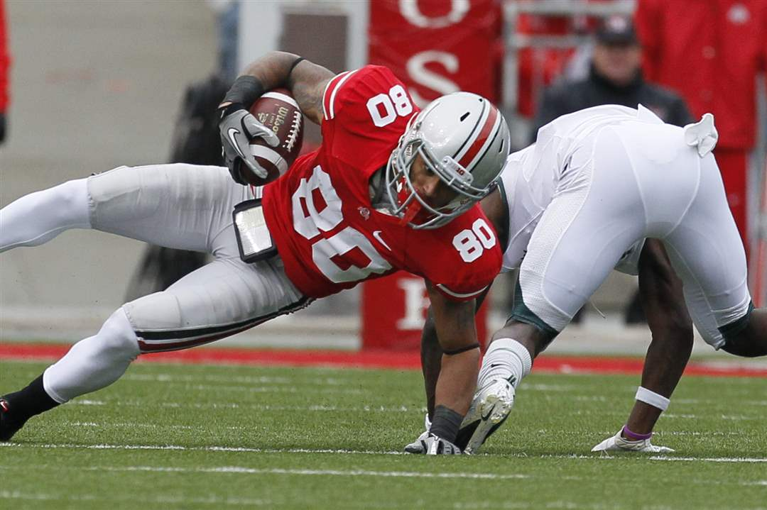 Ohio-State-WR-Chris-Fields-falls-for-extra-yardage