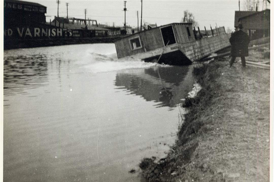 Mag-canal-boat-launch