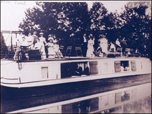 An old canal boat from June 1906.