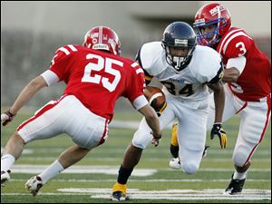 Whitmer senior running back Jody Webb has rushed for 583 yards on 72 carries and scored 13 touchdowns. The 6-0 Panthers, ranked fourth in Division I in Ohio, average 338 yards of total offense per game.