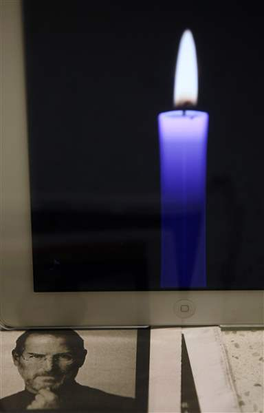 iPad-candle-Steve-Jobs