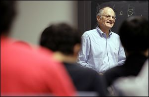 Thomas Sargent, 68, a professor at Princeton University, teaches a class in Princeton, N.J.