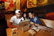 Restaurants-try-devices-that-can-do-staff-s-work