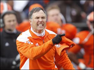 Bowling Green coach Dave Clawson is not happy that quarterback Matt Schilz called time out during the third quarter of their game against Toledo.