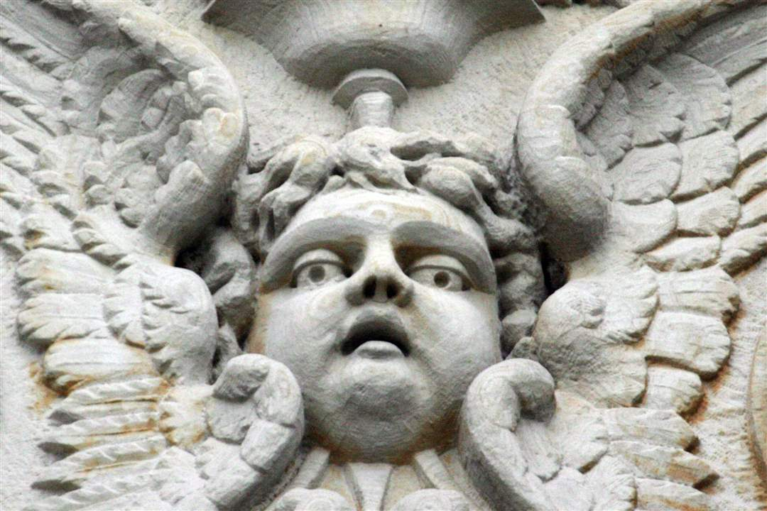 creepy-building-faces-9