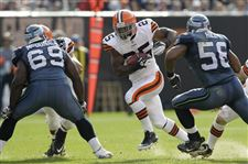 Seahawks-Browns-Football-Chris-Ogbonnaya-runs-football