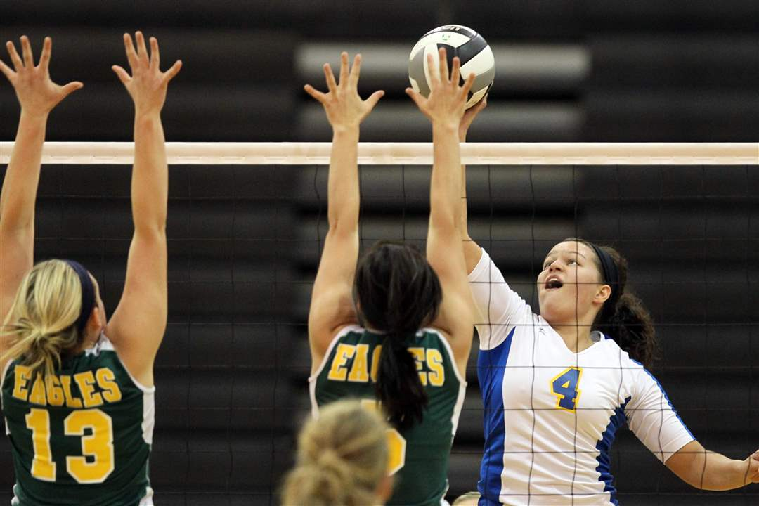 St-Ursula-s-Erin-William-tips-on-Clay-blocker-Mallory-Mottmiller-and