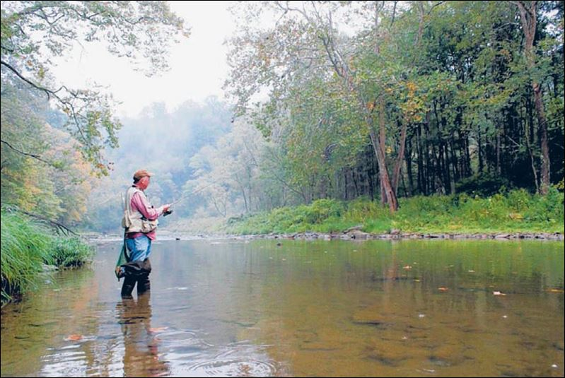 Fall fly fishing on the scenic little beaver creek for Fly fishing ohio