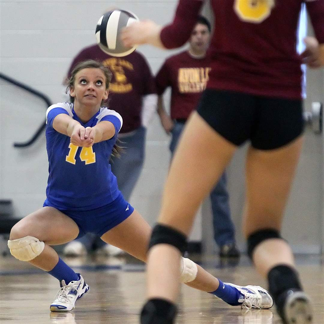 St-Ursula-Katie-Felix-returns-serve-Avon-lake