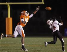 Southview-s-Nate-Hall-tries-to-grab-a-pass
