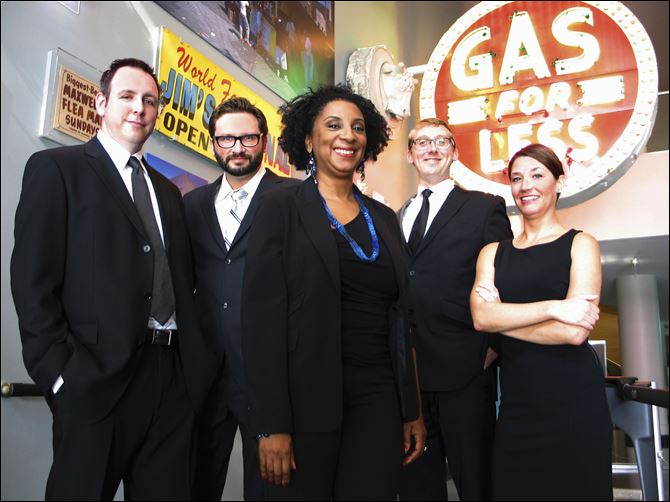 Al Capone, the great fire, second city looks to past for laughs Cast members, from left, Shad Kunkle, Andy St. Clair, Claudia Michelle Wallace, Hans Holsen, and Amanda Blake Davis.
