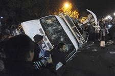 Penn-State-Abuse-students-flip-news-van