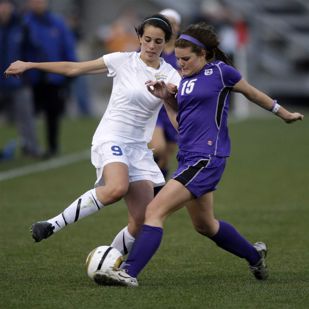 St-Ursula-s-Sara-Mohamed-fights-for-a-ball-with-St-Francis-DeSales-Alex-Elliott