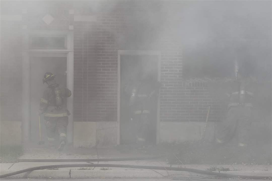 TFD-Dorr-Street-fire-smoke-trio