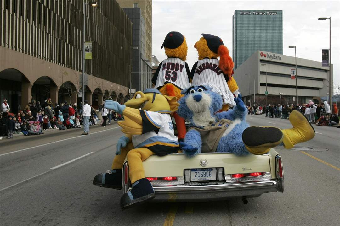 The-Toledo-Sports-mascots-ride-together