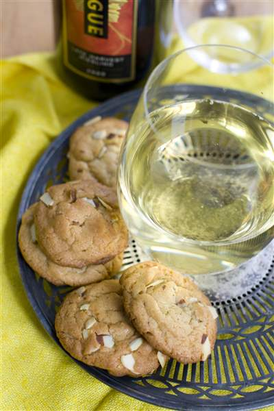 lemon-almond-cookies-wine