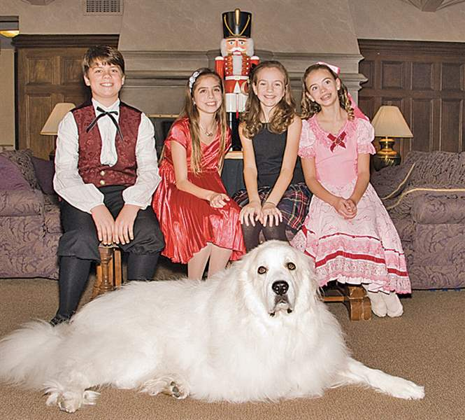 Nutcracker-dancers-dog