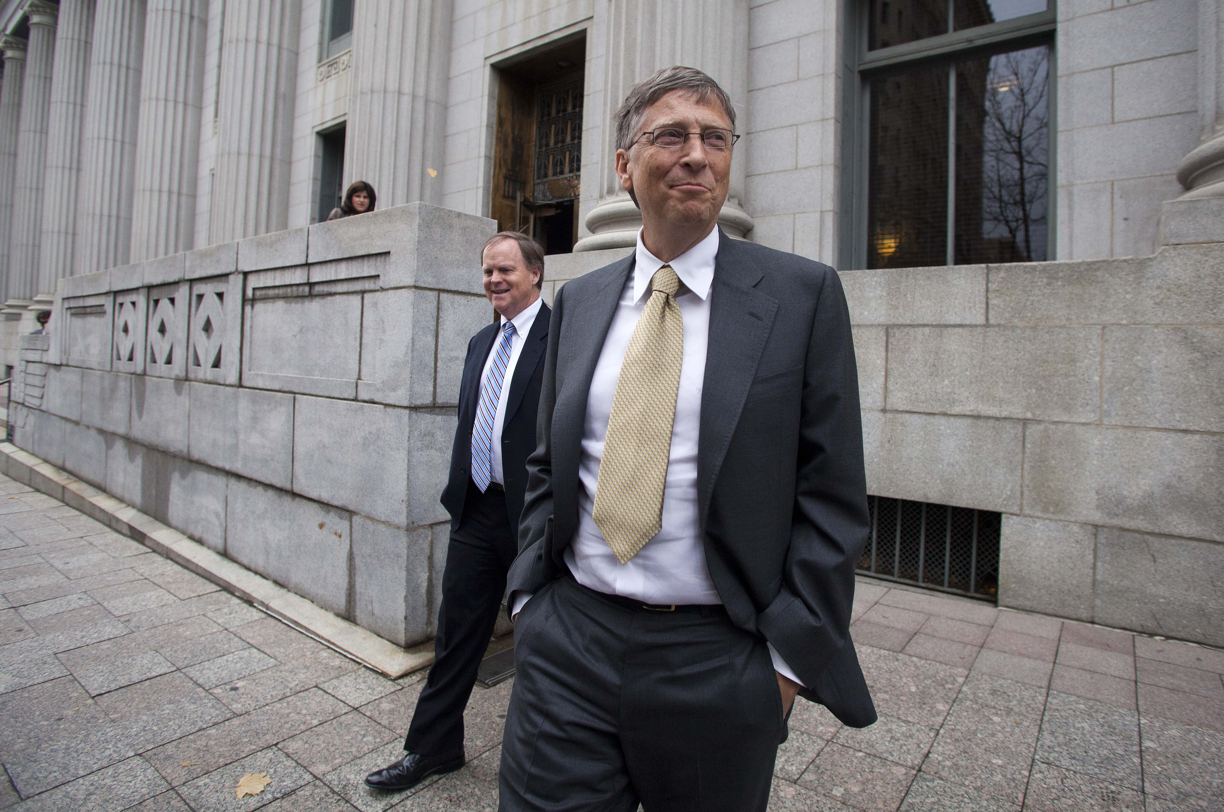 an analysis of the anti trust lawsuit against bill gates and microsoft
