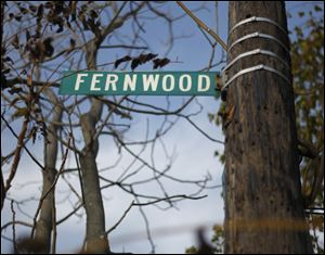A Fernwood street sign.