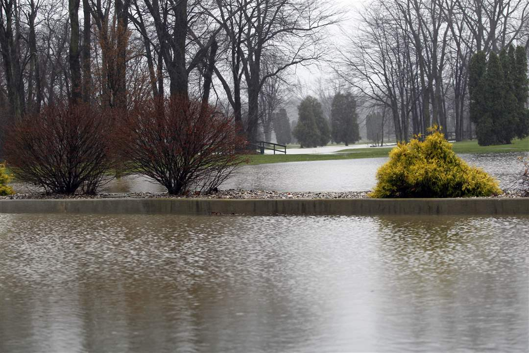 Cottonwood-Creek-Golf-Course-is-flooded-from-the-parking-lot-to-the-greens