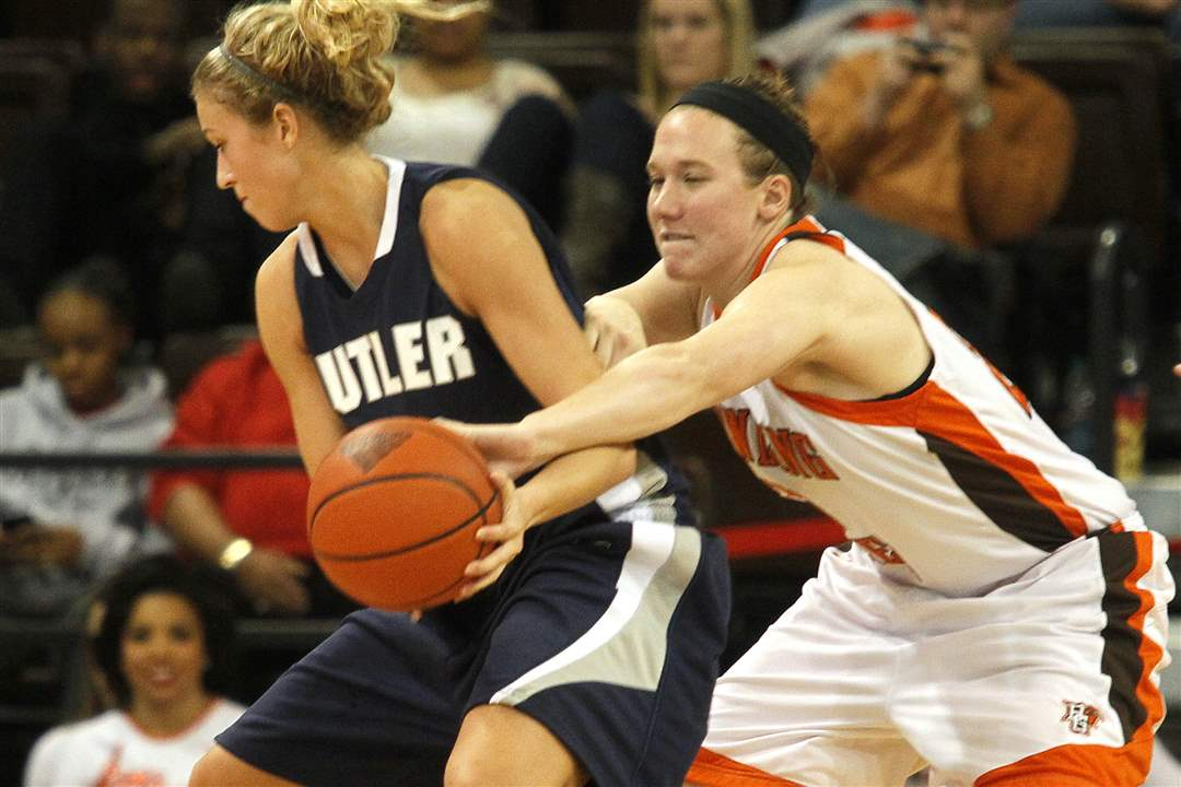 BGSU-s-Allison-papenfuss-pokes-the-ball-away-from-Butler-s-Amanda-Raker