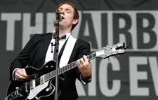 Mike-Jollett-Airborne-Toxic-Event-lead-singer