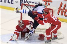 Hudler-scores-2-as-Wings-rout-Jets