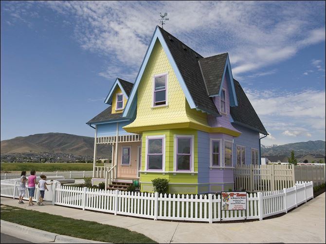 Couple snaps 'Up' dream home Clinton and Lynette Hamblin have bought the full-scale rendition of the house in Disney's animated film 'Up' in Herriman, Utah.