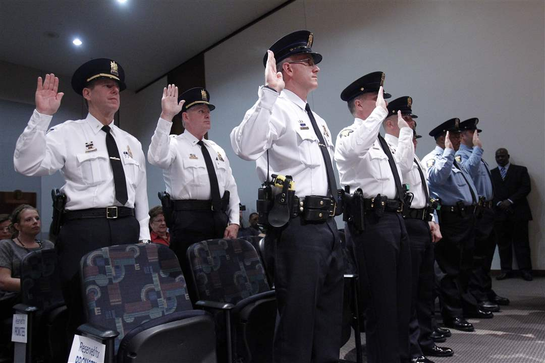 officers-take-oath