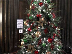 Dave White Chevrolet/ The Toledo Club tree.